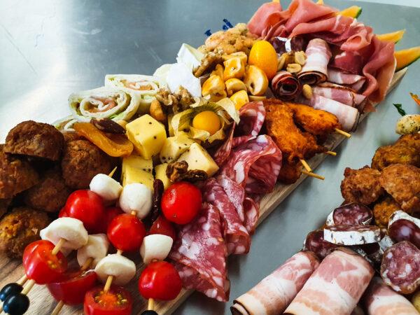 Cateringservice Bolsterbos tapasplank aperitief_100