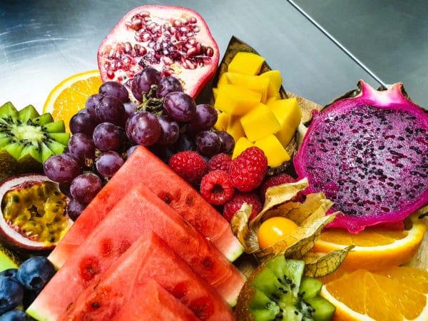 Cateringservice Bolsterbos vers fruit dessertplank_1
