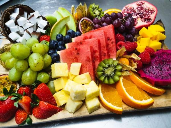 Cateringservice Bolsterbos vers fruit dessertplank_7